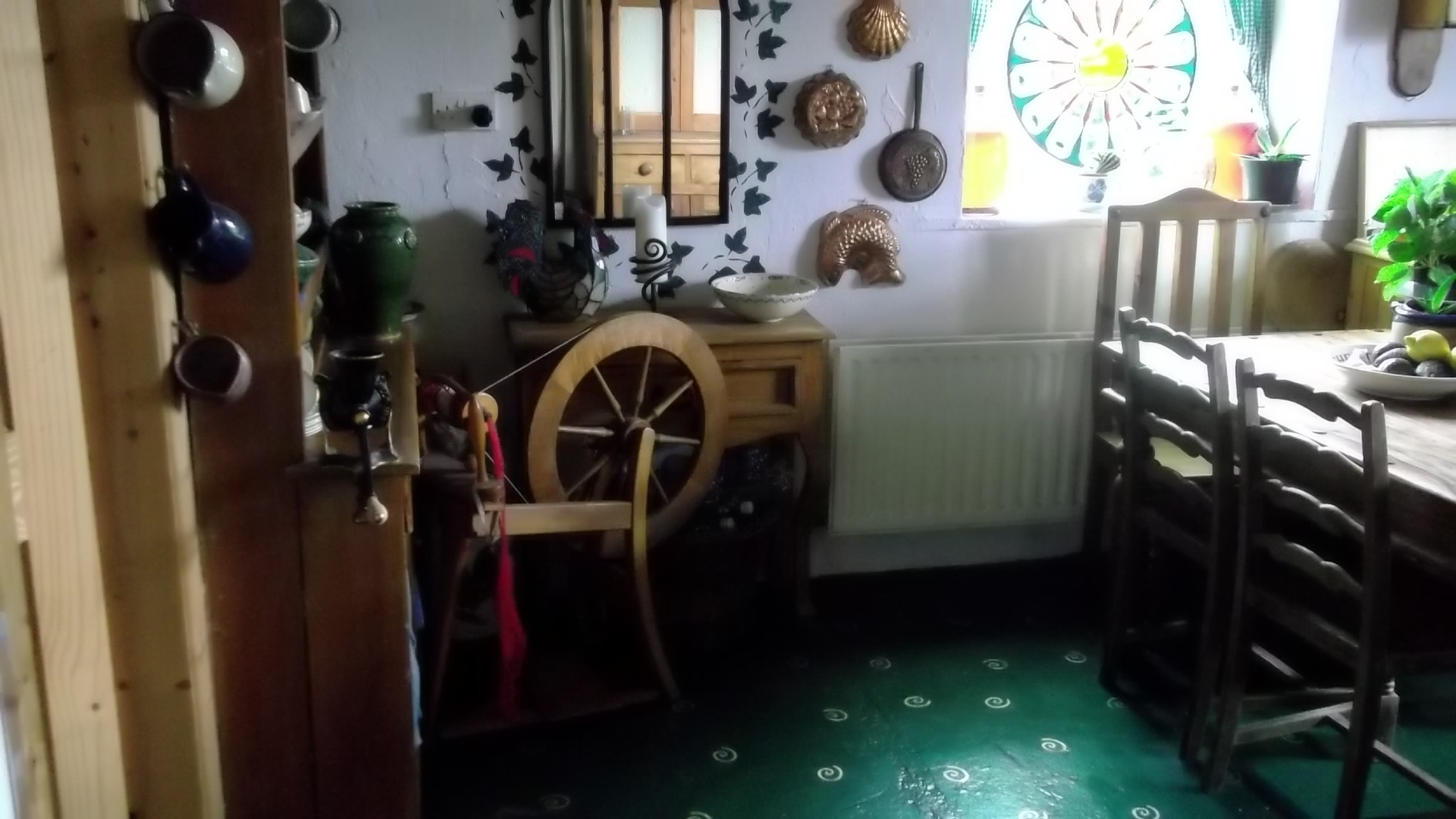 Cottage Interior Design Using Permaculture Ideas