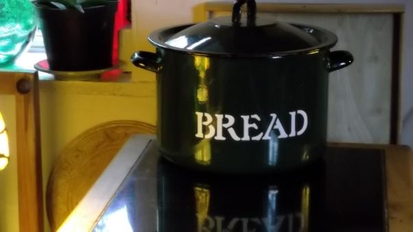Bealtaine Cottage  bread bin