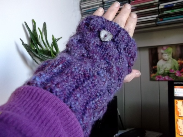 Woolen gloves, hand knitted at Bealtaine Cottage