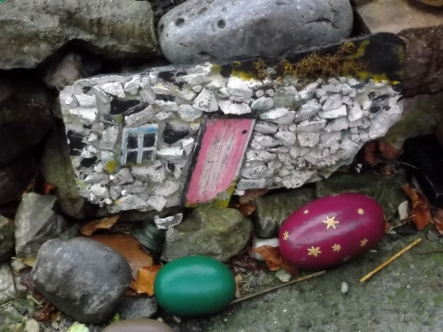 cottage on a slate and painted stones at Bealtaine Cottage