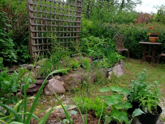 Bealtaine Cottage Feminine Gardens