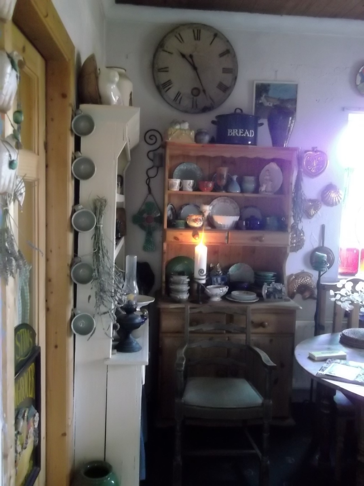 midwinter cottage 015