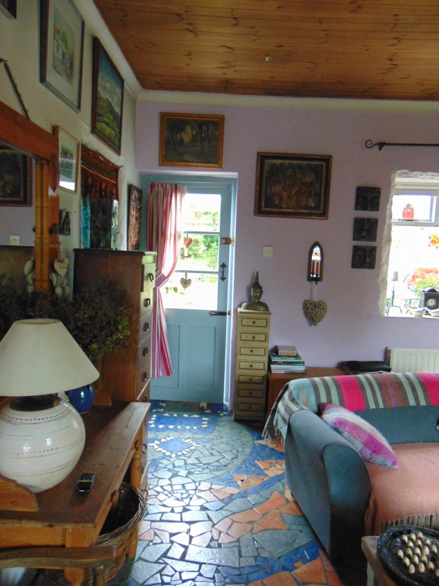 sitting room at Bealtaine Cottage bealtainecottage.com 003