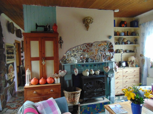 sitting room at Bealtaine Cottage bealtainecottage.com 004