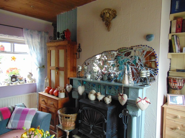 sitting room at Bealtaine Cottage bealtainecottage.com 008